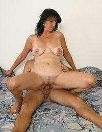 Mature Sex Bomb picture gallery